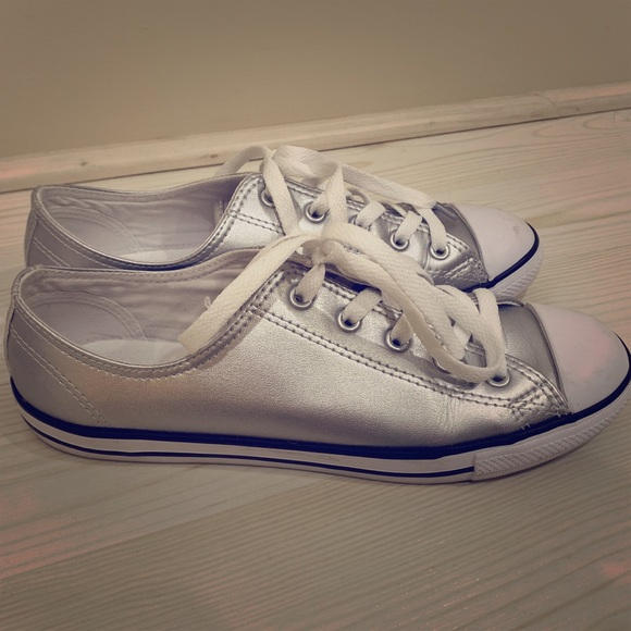 converse slip on 38